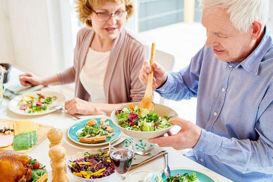 تغذیه در مبتلایان به آلزایمر